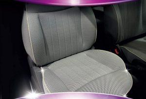 détacher un siège de voiture